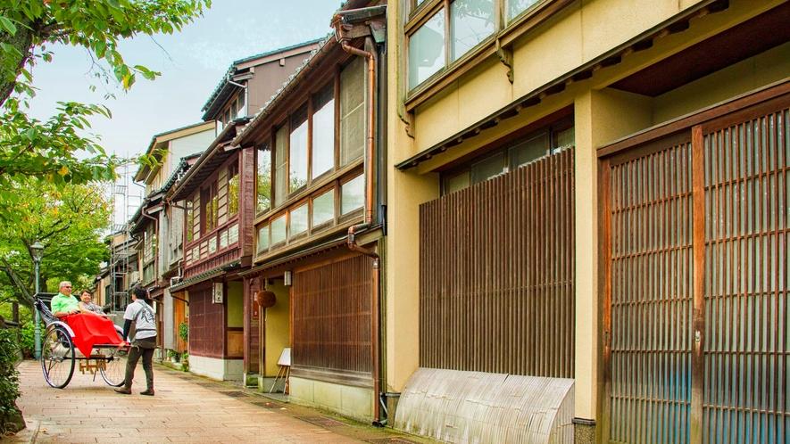 【周辺観光】茶屋街を人力車で散策(有料)
