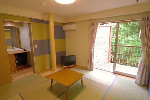 川床デッキ付プレミアムルーム(トイレ・洗面付)8畳+前室