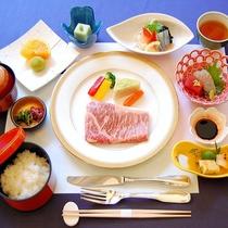 【夕食】柔らかくジューシー♪甘みも最高♪「黒毛和牛ステーキ御膳」(イメージ)
