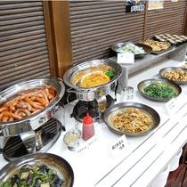 ホットチャーフィン類・惣菜は日替わり♪まごころ込めてご用意しております♪