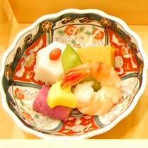【夕食】炊き合わせ/食彩豊かにバラエティ♪「松花堂」 (イメージ)