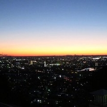 ホテル屋上「サンセットポイント」より日の入り・夜景