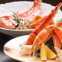 夕食一例(舟盛+ズワイ・タラバ蟹+金目鯛 プラン)