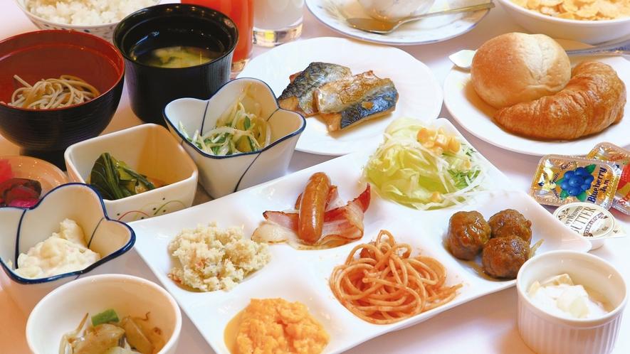 【無料朝食バイキング】★☆白いご飯にパン、スクランブルエッグ、朝カレーなど…大好評です♪