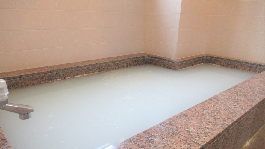 【無料女性浴場】3階女性浴場17:00~25:00まで入浴出来ます。ご利用の際はご利用時間をフロン