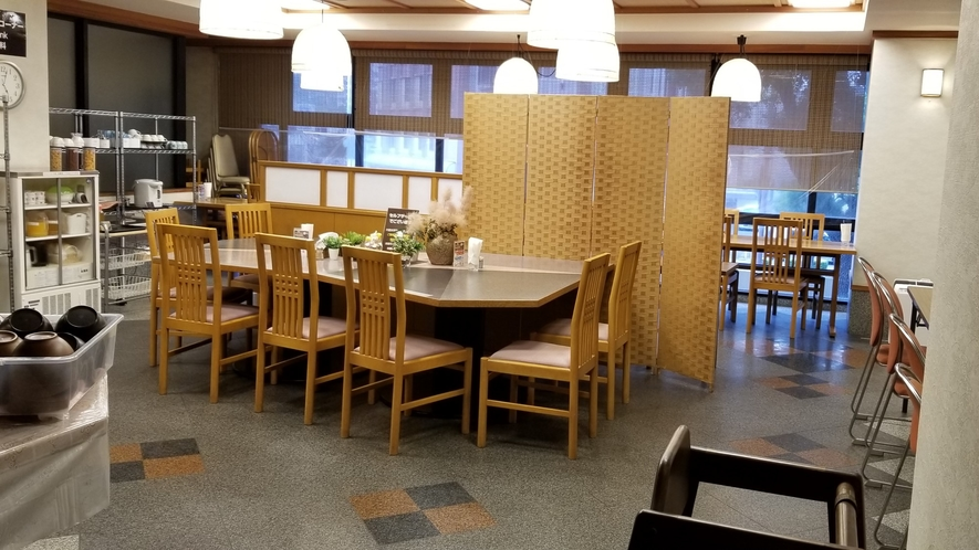 【無料朝食会場】2階レストラン 50席