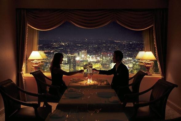 夜空に浮かぶレストランでの豪華ディナー付 ・60階〜64階「アトリエ」