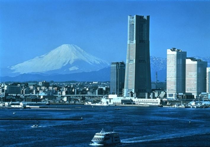 全景 昼間 富士山