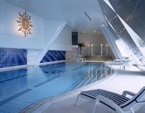 49階 フィットネスクラブ プール