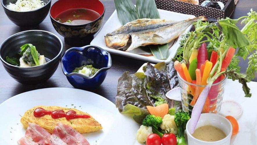 「朝食」旬野菜を使用した身体に優しい朝食。1日のはじまりにお召し上がりください。