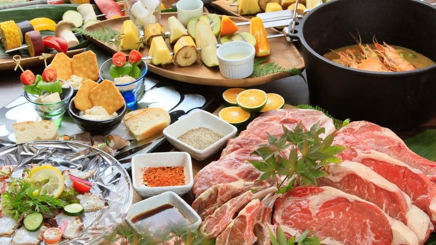 「グランピング(夕食)」完全プライベート空間で、こだわりの食材を豪快に召し上がれ!