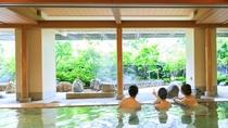 *【きぬの湯:温泉(一例)】鬼怒川の自然を眺めて、湯量豊富な温泉をお楽しみください。