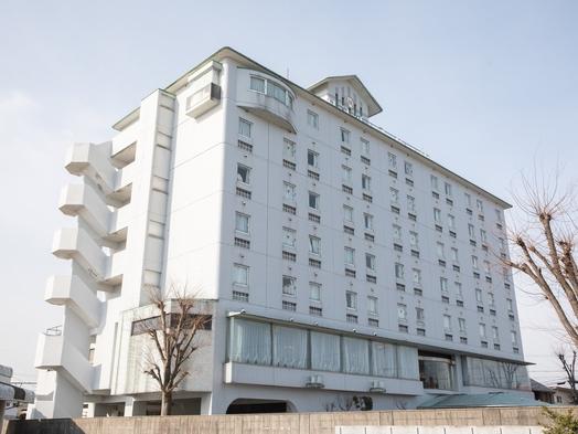 【秋冬旅セール】素泊まりプラン!★Wi-Fi・ホテル正面に平面無料駐車場完備!