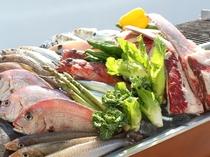 ★地元・下津井産の魚介類を中心に岡山県産の食材をふんだんに使った「せとうちシーフード・バーベキュー」