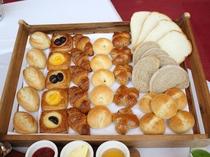 ★毎朝、じっくり丁寧に焼き上げた自家製パンもぜひお召し上がり下さい。