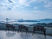 ★1階ロビーテラスからは、瀬戸内海の多島美と雄大な瀬戸大橋を一望できます。