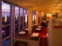 ★1階レストラン「THE SURF&TURF」
