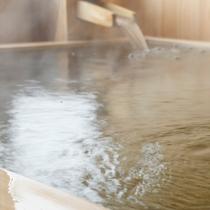 洲本温泉のやわらかなお湯は疲れた体を癒します。