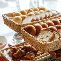 【朝食】ホテルメイドパン