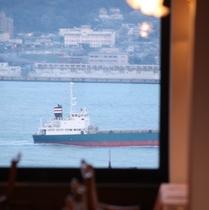 レストランからの関門海峡