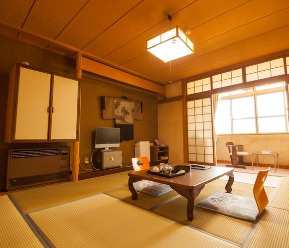 8畳和室のお部屋。