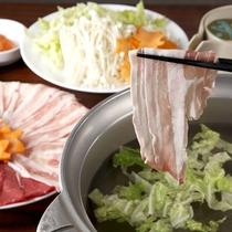 【食事】夕食:上州牛と上州もち豚のしゃぶしゃぶ
