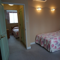 ■部屋■2階は、2室のツインルーム。
