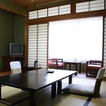 ■お部屋は奥飛騨の木々に囲まれた落ち着いた雰囲気
