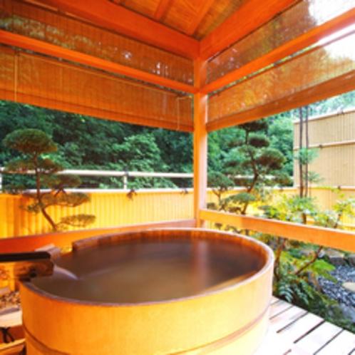 【露天風呂付客室一例】時間を気にせずゆっくりと温泉を堪能。