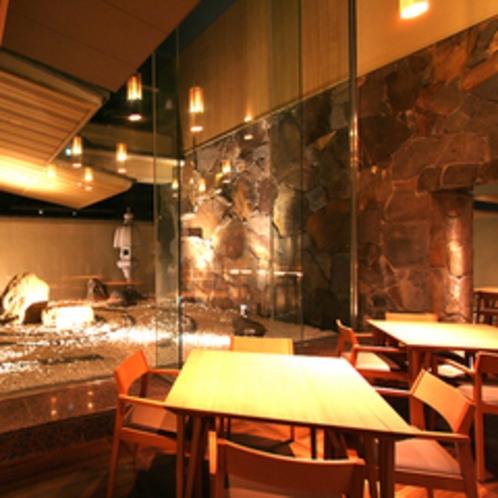 ≪Dining&Bar遊亀≫落ち着いた雰囲気の中で、優雅なひと時をお過ごしください。