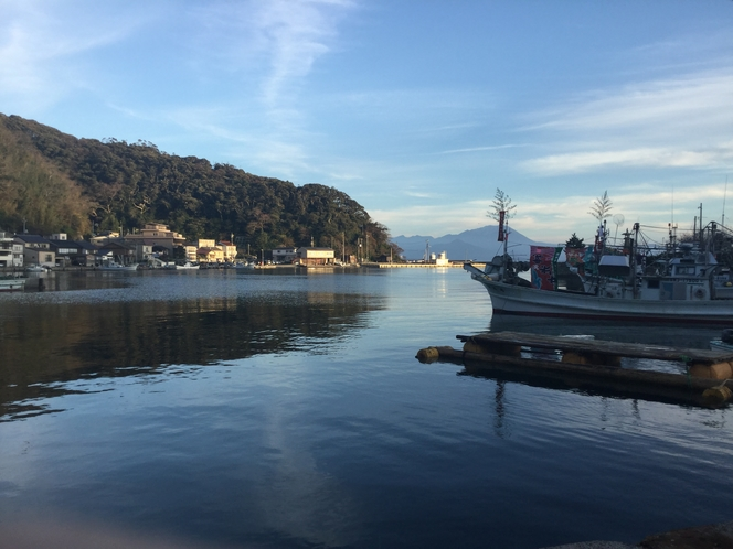 旅館から港風景