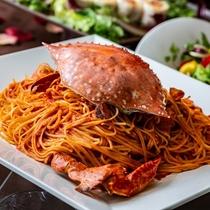 ディナー人気の「渡り蟹のトマトクリームソース」