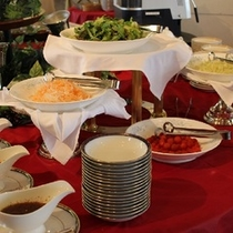 朝食バイキング:サラダコーナー