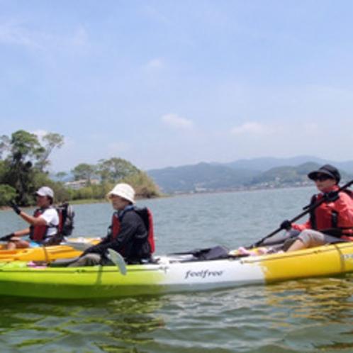 *【カヌー体験】インストラクター同行、お子様用のライフジャケットや無料レンタルのウェアも用意有り。