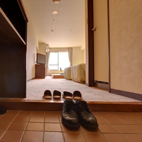 *【クラッセ棟・和洋室一例】小上がりタイプの和洋室◇洋室も土足ではないので清潔にお過ごし頂けます◎