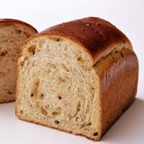 *【ペストリーブティック】ラウンジクラッセリア内、テイクアウトできるパンコーナー♪