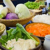 *【夕食バイキング一例】地産地消にこだわった旬の野菜しゃぶしゃぶ☆野菜本来の旨味をぜひ!