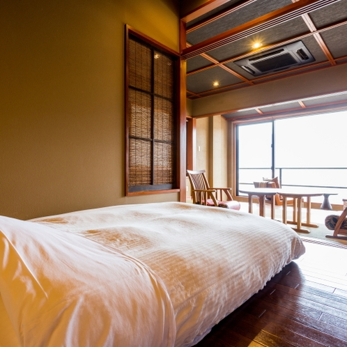【ベッド側】半露天風呂付悠々庵(500×500)