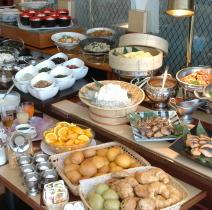 7:00〜9:30まで和洋バイキング朝食をご用意しております
