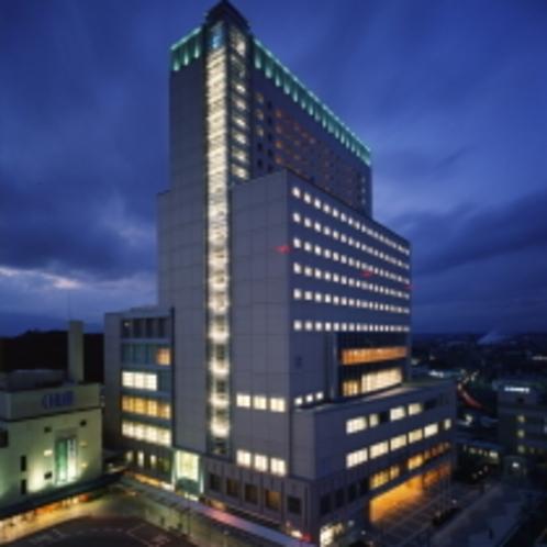 当ホテルは津市のシンボル「アスト津」ビルにございます