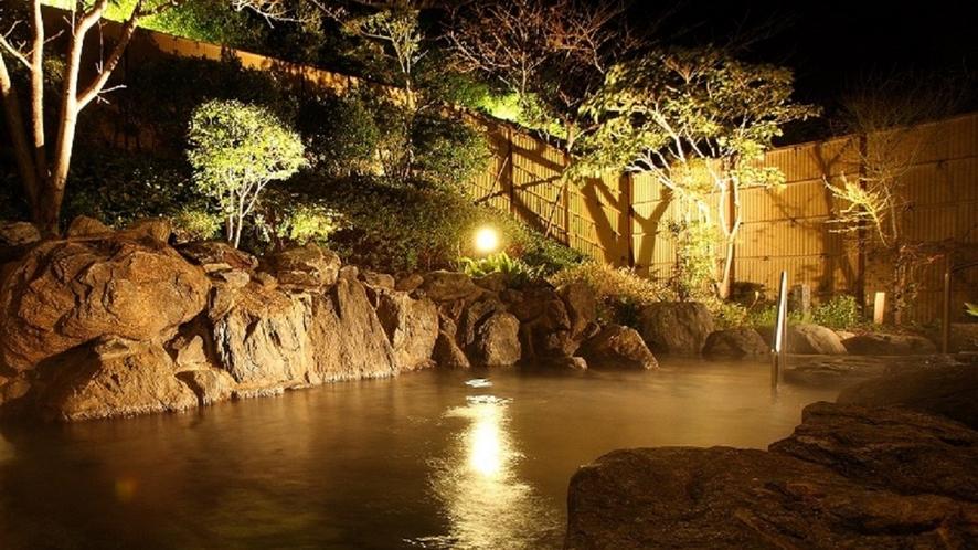 露天岩風呂/夜