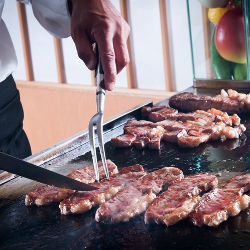 ディナーバイキングイメージ(牛肉の鉄板焼き)