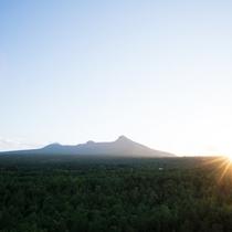 駒ヶ岳にしずむ夕日