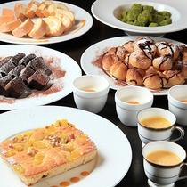 【夕食】フルーツ類やお菓子の本日のデザート