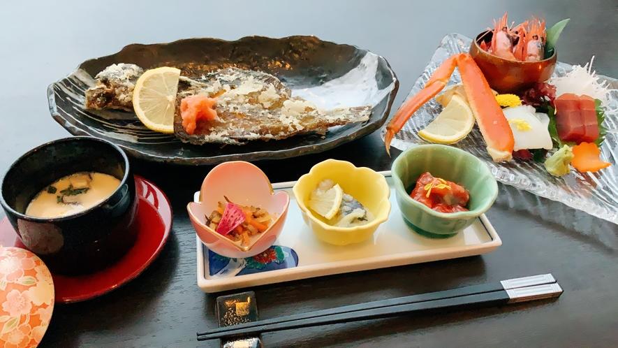 【夕食】個々盛りのお膳
