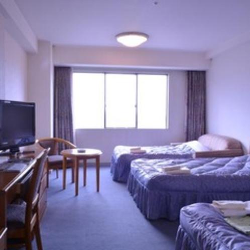 ■洋室:ベッド3台