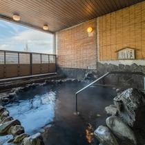 [露天風呂(男性)]武田信玄の隠し湯と伝わる鉄分豊富な温泉です。