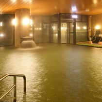 【大浴場】広々とした温泉大浴場で手足を伸ばし…旅の疲れを癒してください♪