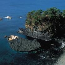 【巌門】能登金剛と呼ばれる能登半島を代表する景勝地 ※お車で約30分