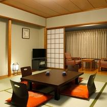 【和室】10畳の広さで趣のある造りが家族づれにも人気です!